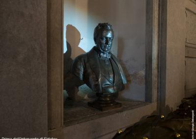 Tomba Cavour Santena - Mezzobusto, scultura Camillo Benso Conte di Cavour