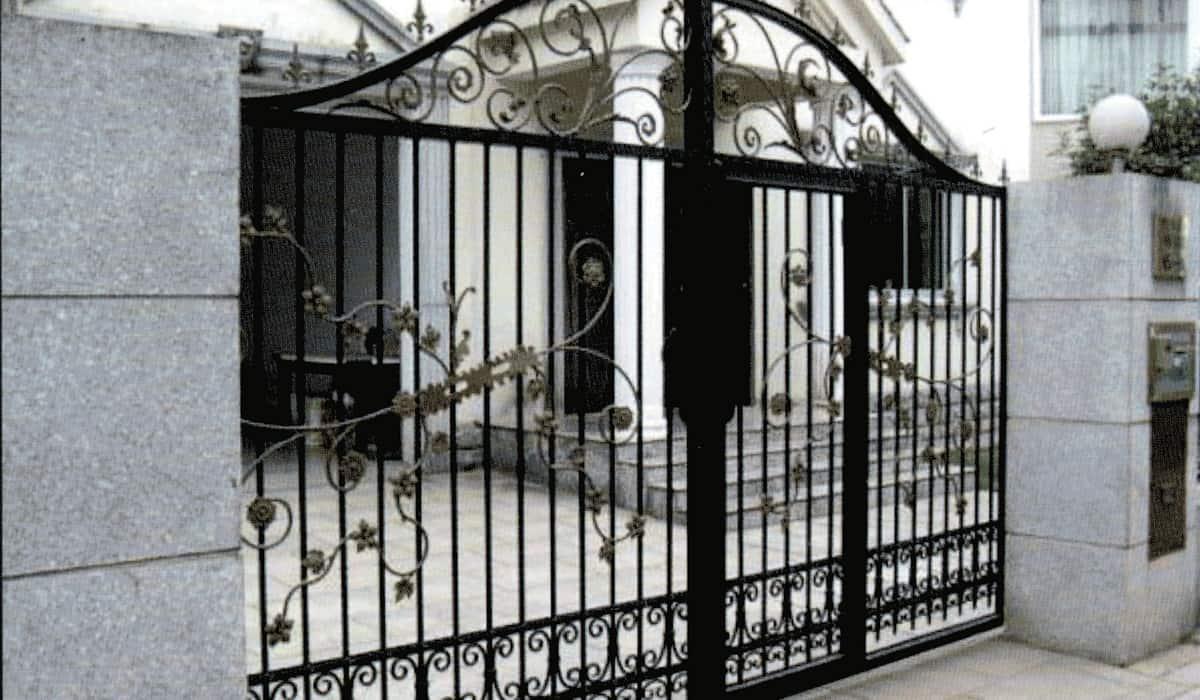 automazione cancello in ferro a battente
